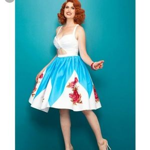Pinup Girl Rose Border Renee Dress